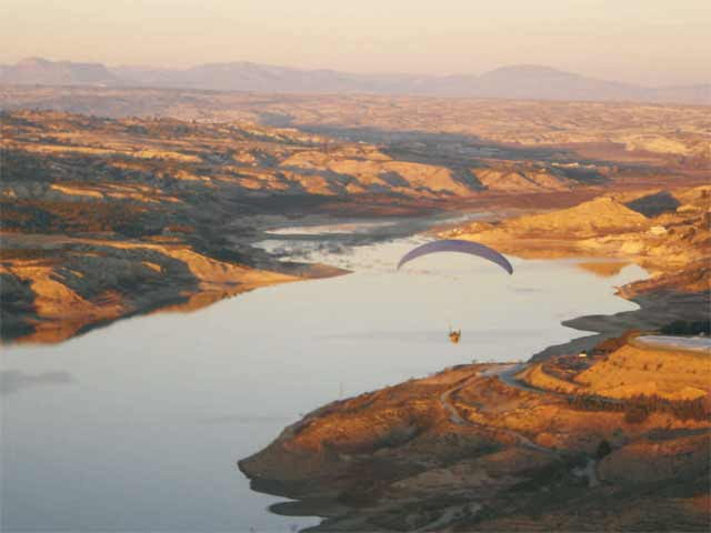 Hang Gliding in The High Plateau